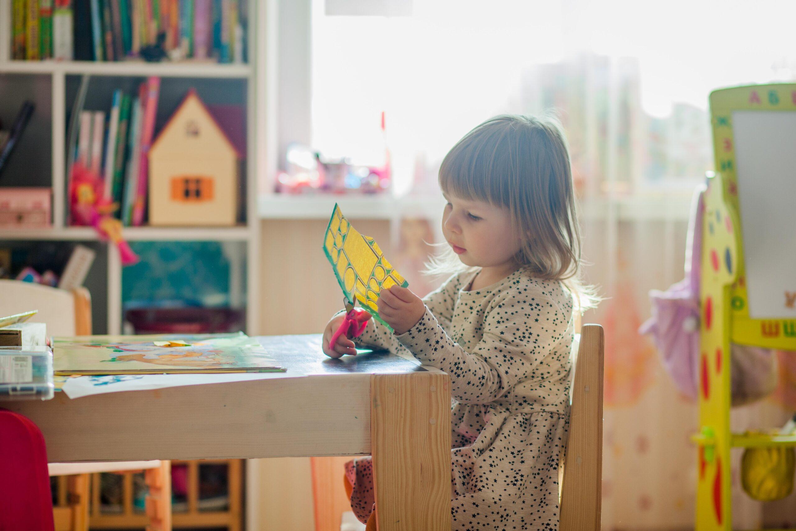 ¿Cómo se Aplica el Método Montessori en Casa y en el Aula?